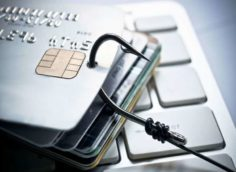 Аферисты подцепили на крючок банковскую карту