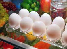 Хранение сырых яиц в холодильнике