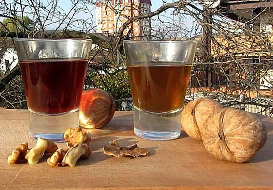 Перепонки грецких орехов на водке лечебные свойства