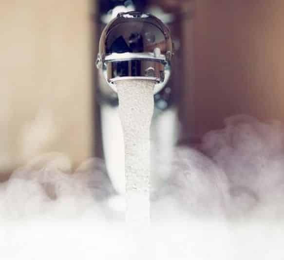 Почему из холодного крана течет горячая вода причины последствия и способы устранения
